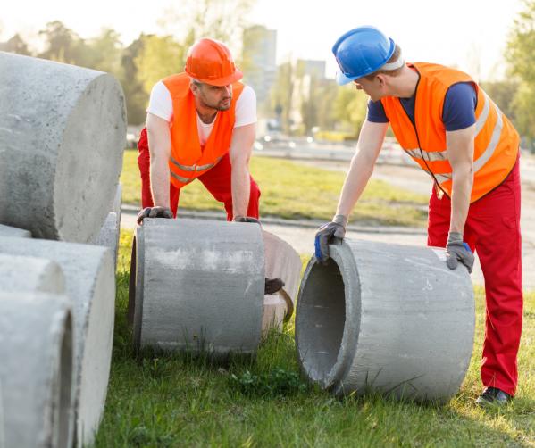 Pracownik produkcji prefabrykatów/ betoniarz